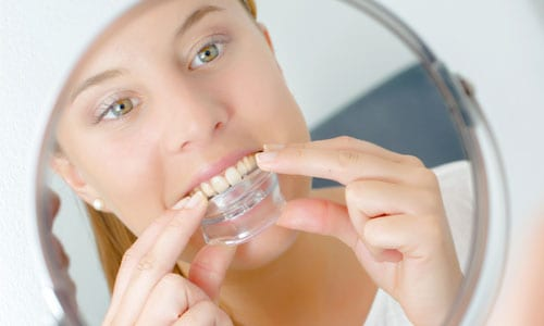 What is daytime bruxism?